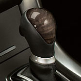 WOODGRAIN-LOOK SHIFT KNOB (part number:)